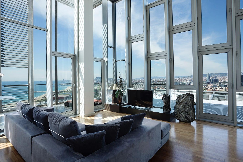 Alquiler penthouse en diagonal mar.