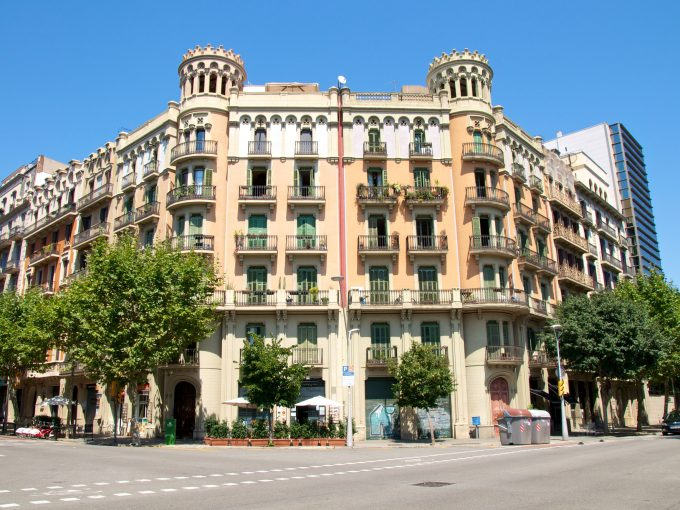Edificio en Zona Alta de Barcelona
