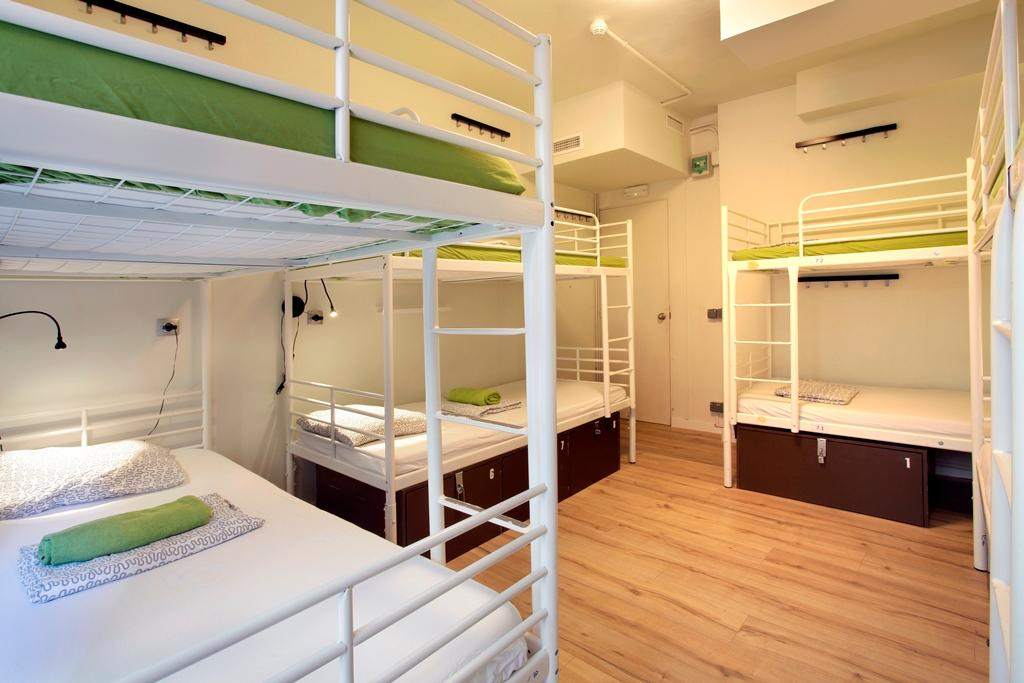 shared-room-8-people